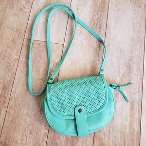 ROXY Class Act Crossbody Bag in Cabbage